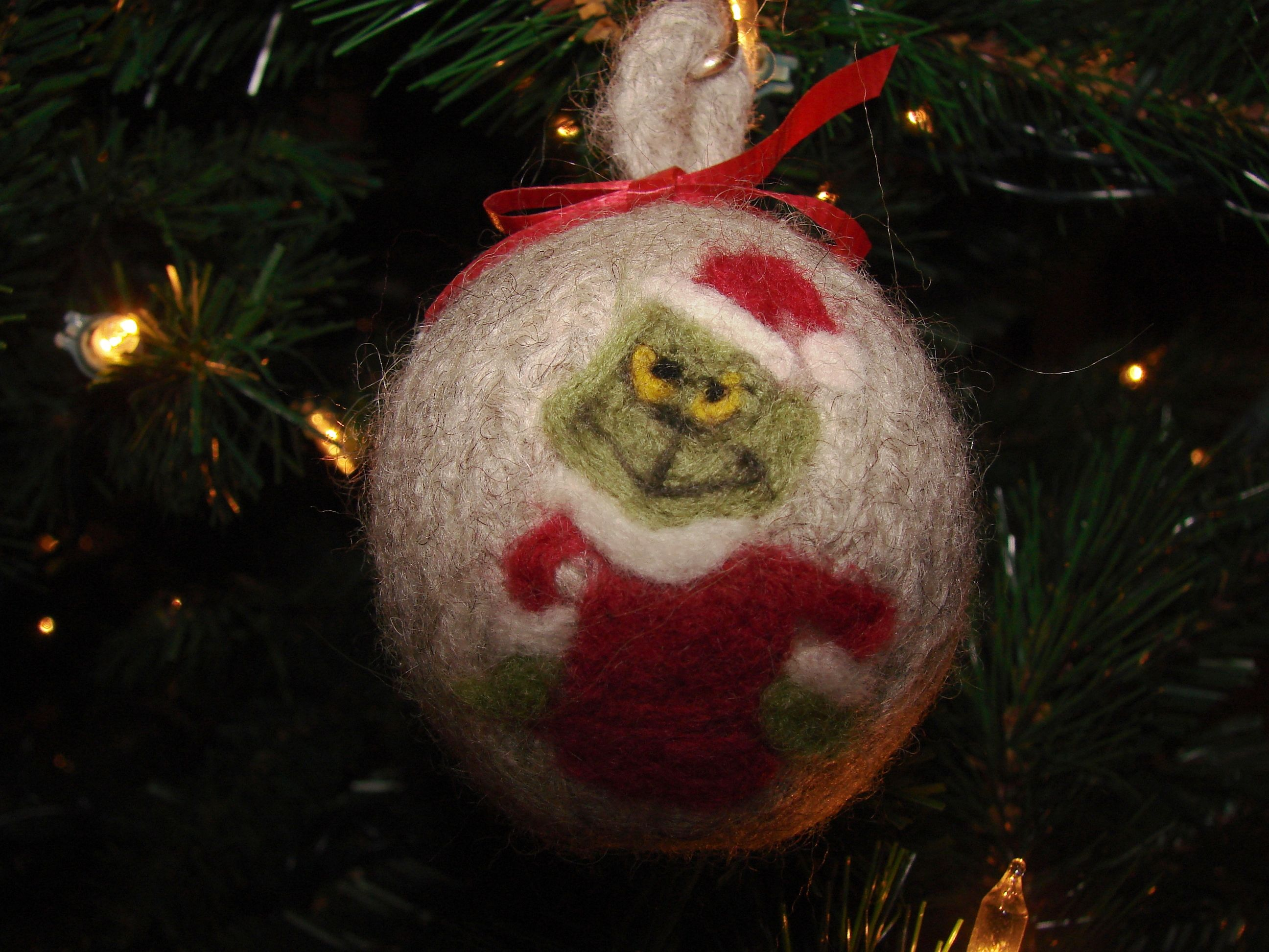 Felted Ornament With The Grinch Felt Ornaments Grinch Christmas Grinch