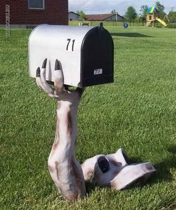 15 Fun and Scary Ideas How to Decorate Your Mailboxes for Halloween - funny halloween decorating ideas