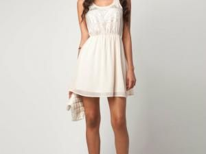 Robe blanche pour ado