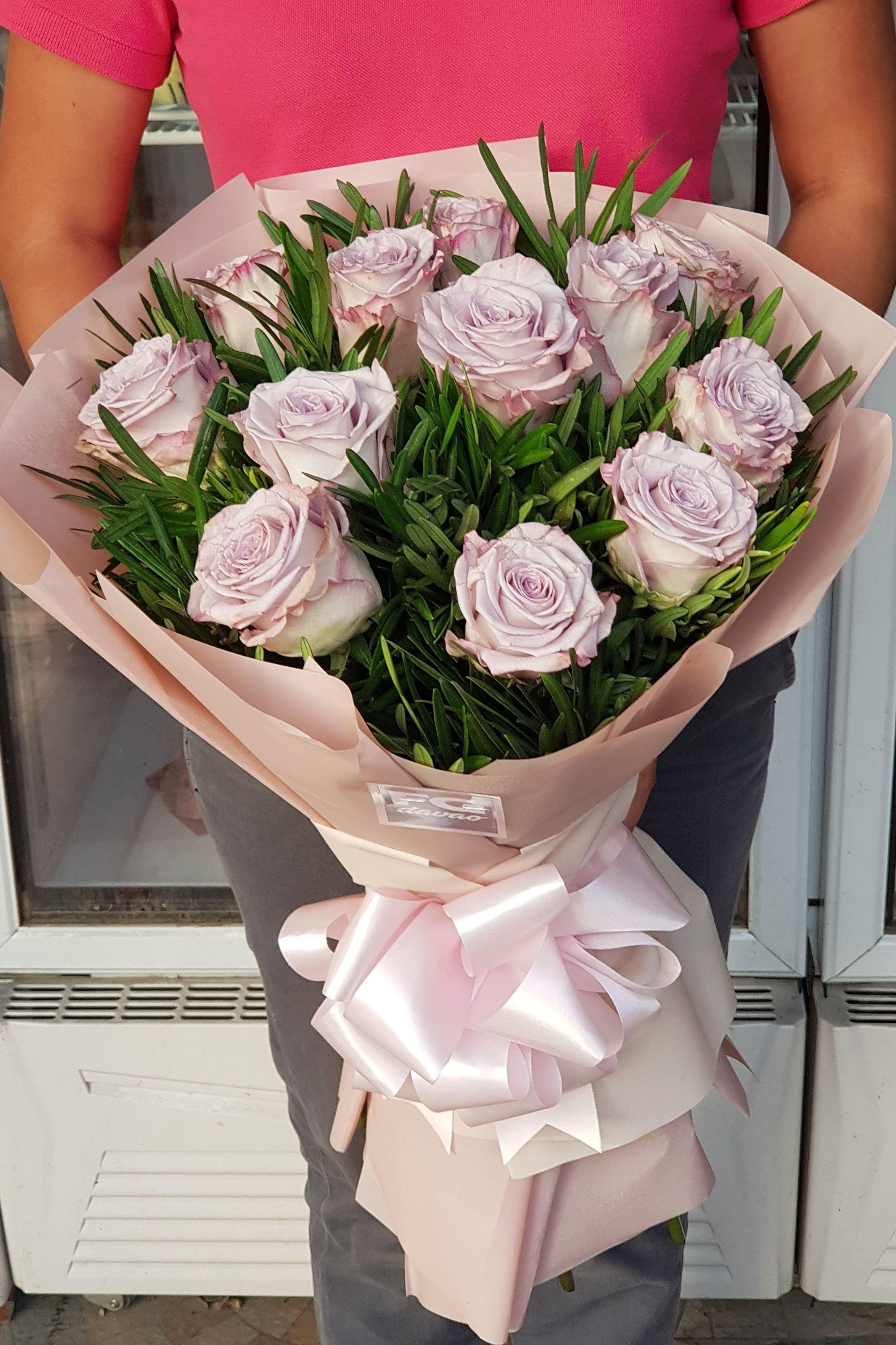 Bouquet of Lilac Ecuadorian Roses Price