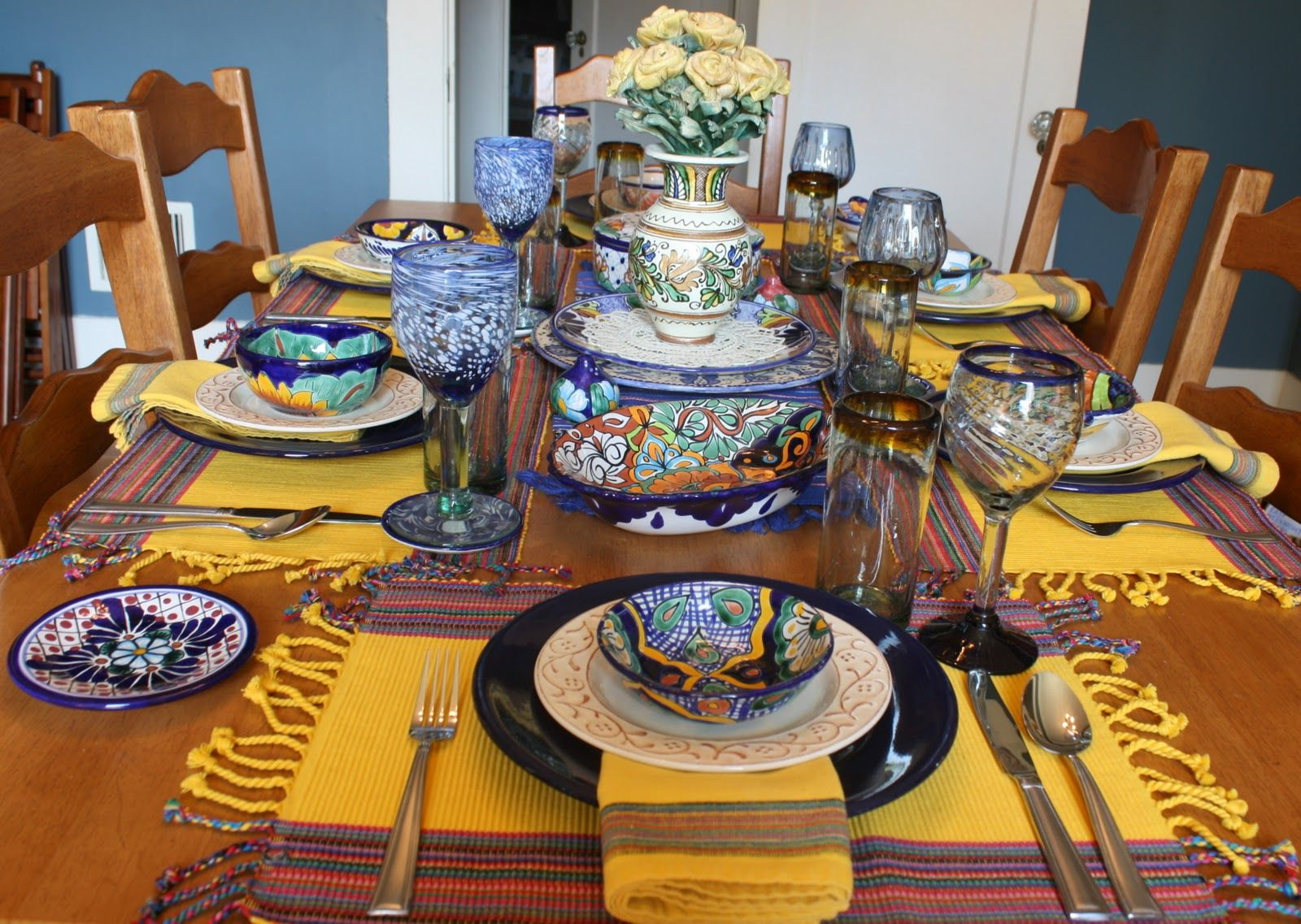 Life with the Mozas Viva Fiesta Tablescape! Table Settings ... : mexican table setting - pezcame.com