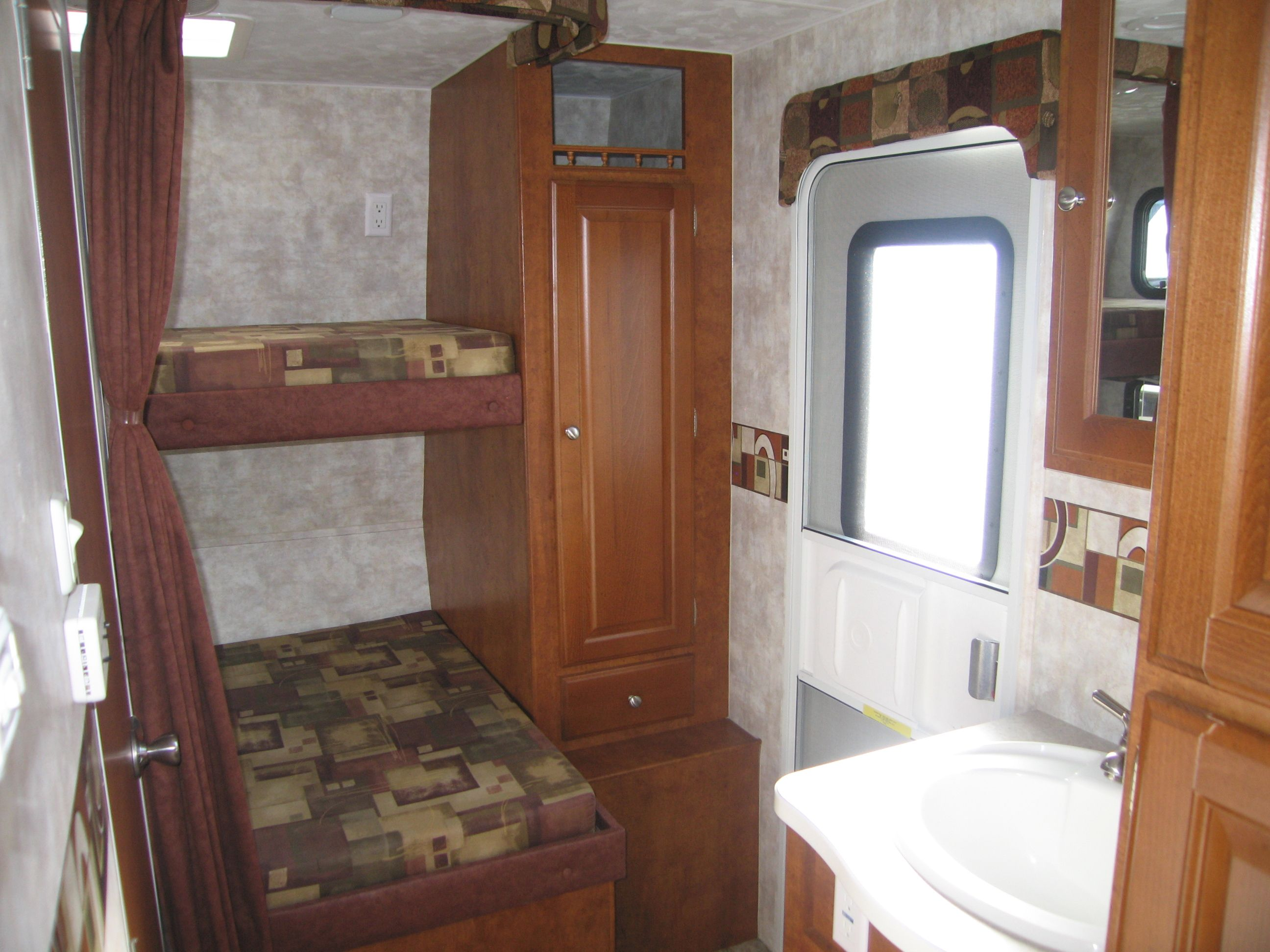 Rv Bunk Beds 2011 TANGO 249BH RS Double Slide Bunkhouse
