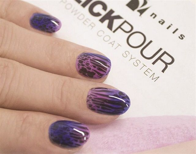 P Young Nails Educator Tracey Reierson Lied An Ombre Using Two Diffe Powder Shades From The Brand S Slick Pour System