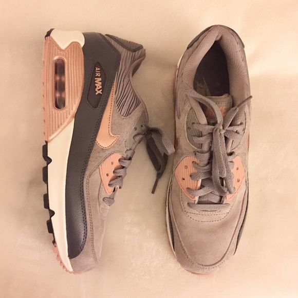 sold nike air max 90 rose gold bronze and grey nwt grey. Black Bedroom Furniture Sets. Home Design Ideas