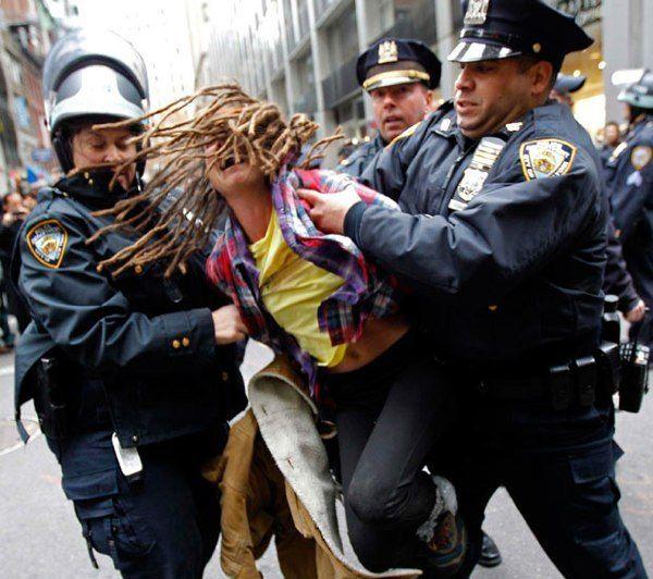 police arresting girl dictadura militar dictadura on simply wall street id=30907