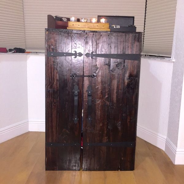 RYOBI NATION - Wardrobe trunk | Wooden pallets, Old ...