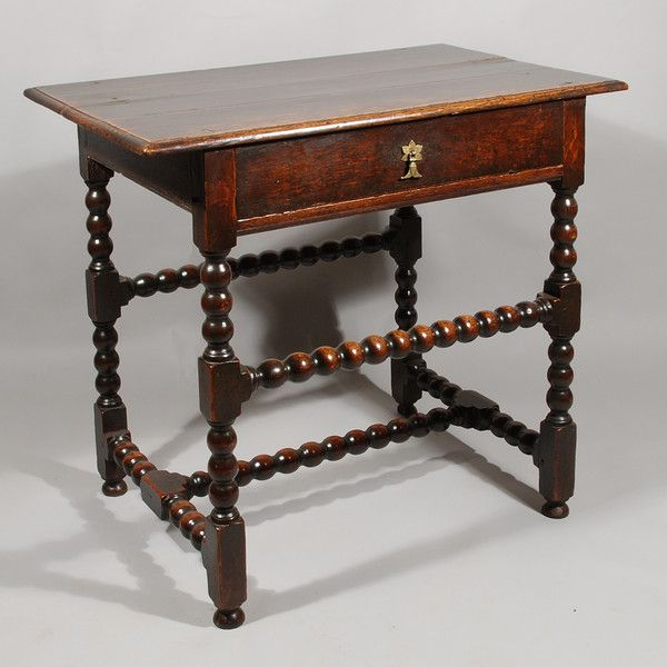 A Late 17th Century Side Table In Oak Antique Furniture - Antique Small Oak Side Table With Drawer