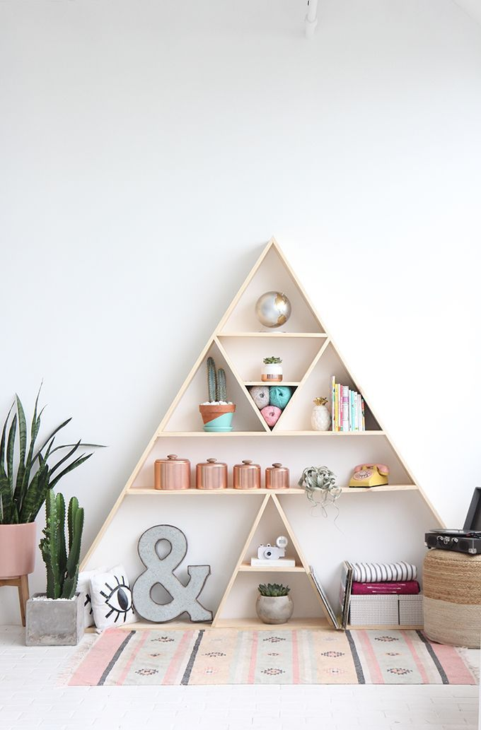 I SPY DIY STUDIO | Triangle Shelves