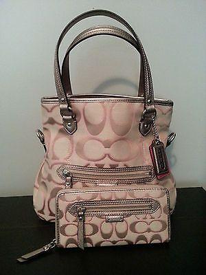 3fe06e0a3fd7 Coach Handbag and wallet NEW Daisy Outline Signature Metallic Handbags 2014