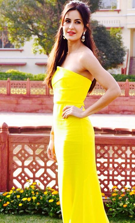 Katrina Kaif In Yellow Dress  Katrina Kaif Hot Pics -8514