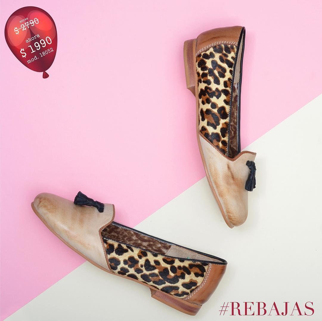 Quedan pocos días para aprovechar las rebajas!!!  Encontralas en nuestras tiendas y en marcel.uy  Mod. 18052 antes $ 2790/ ahora $ 1990 #rebajas#descuentos#hastaun50%off#marcel#marcelburgos#marcelcalzados#marcelcalzadosoficial#rebajasverano#felicesrebajas#comenzamoslasrebajas#carteras#bolsos#zapatos#sandalias#mules#plataformas#deportivos#chatas#botas#botasdeverano#calzadofemenino#zapatosdedama#zapatosdemujer#marcelburgosoficial