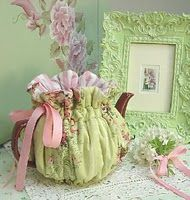 .....floral tea cozy....tooooo cute!