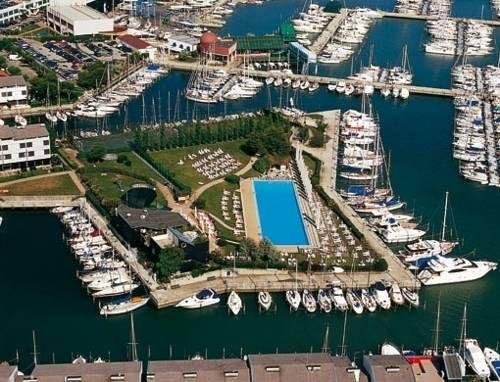 Hotel Mare (***) BUDIMKA CANDITONE has just reviewed the hotel Hotel Mare in Lignano Sabbiadoro - Italy #Hotel #LignanoSabbiadoro http://www.cooneelee.com/en/hotel/Italy/Lignano-Sabbiadoro/Hotel-Mare/1440251