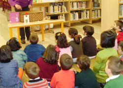 La biblioteca municipal acoge este viernes una sesión de cuentacuentos - http://gd.is/f4GhPT