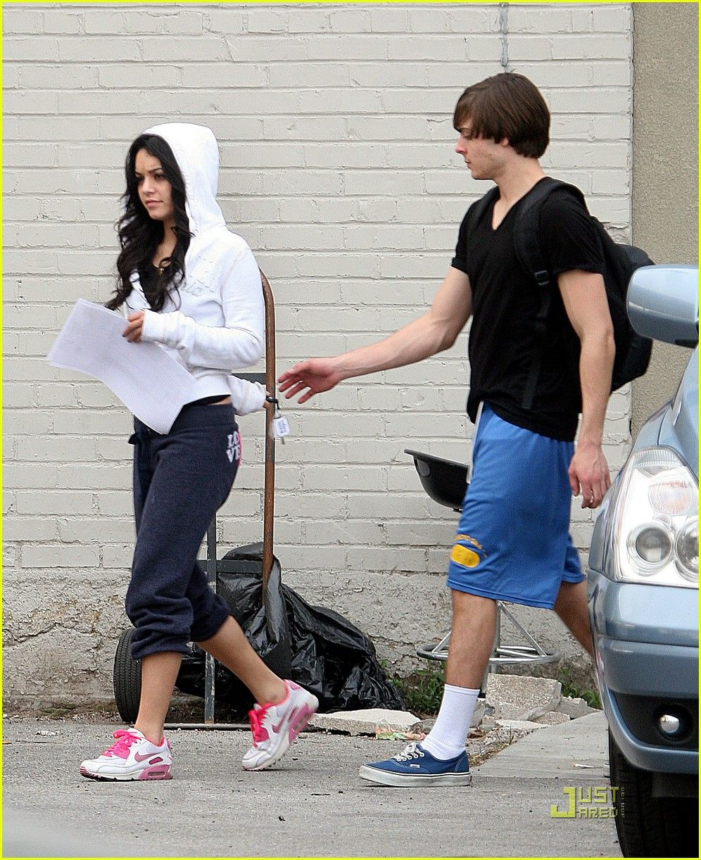 Zanessa at dance rehearsals 4 in utah hd wallpaper and background photos of zanessa candid picture for fans of zac efron vanessa hudgens images