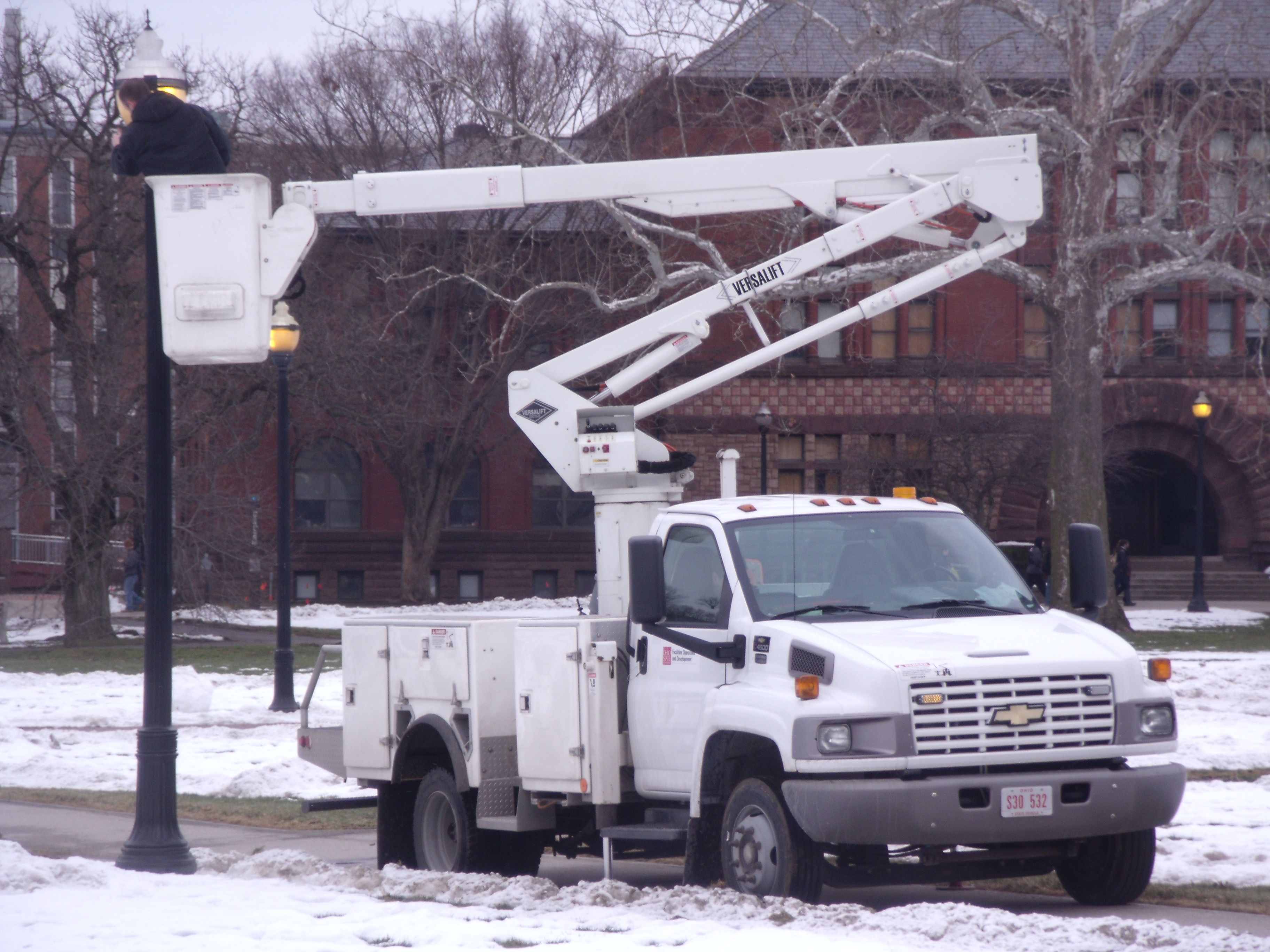A Bucket Truck Is More Formally Known As An Articulated Boom Aerial Device Accidents With Bucket Trucks Maybe A Result Of Bucket Truck Heavy Equipment Trucks