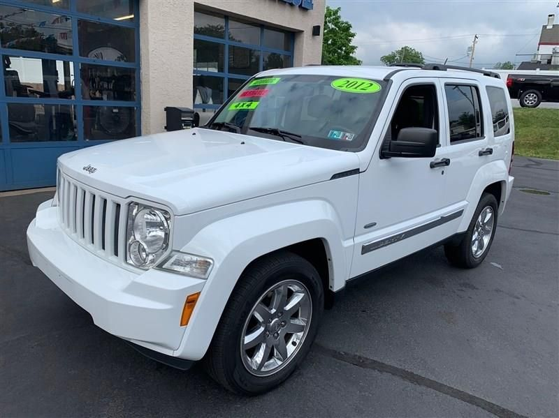 2012 Jeep Liberty Sport In 2020 With Images 2012 Jeep Jeep