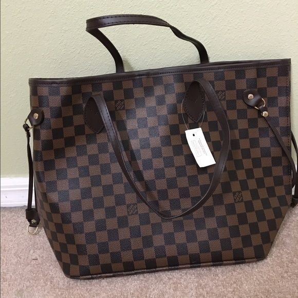 05a31cbbcb51f LV neverfull mm (not authentic)   Not authentic   brand new never been used  Louis Vuitton Bags Totes