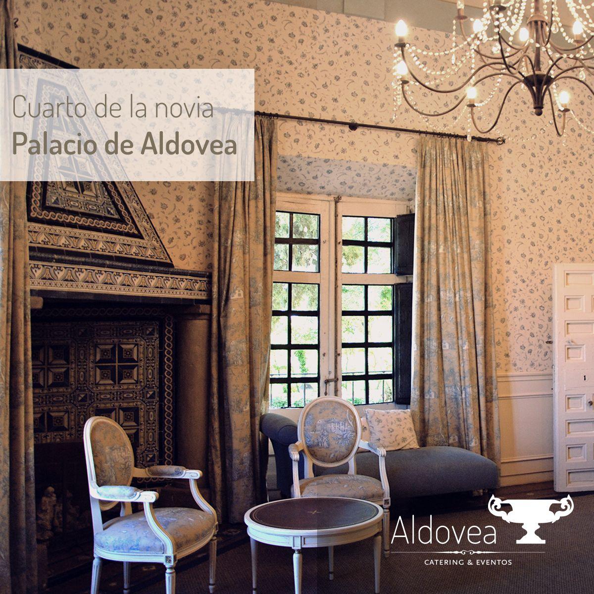 En PALACIO DE ALDOVEA contamos con el Cuarto de la Novia, un lugar muy especial para terminar tus preparativos y arreglarte para el gran día. ¡Te sentirás como en casa! ;) #noviasfelices #diaB http://www.aldoveacatering.com/palaciodealdovea.html