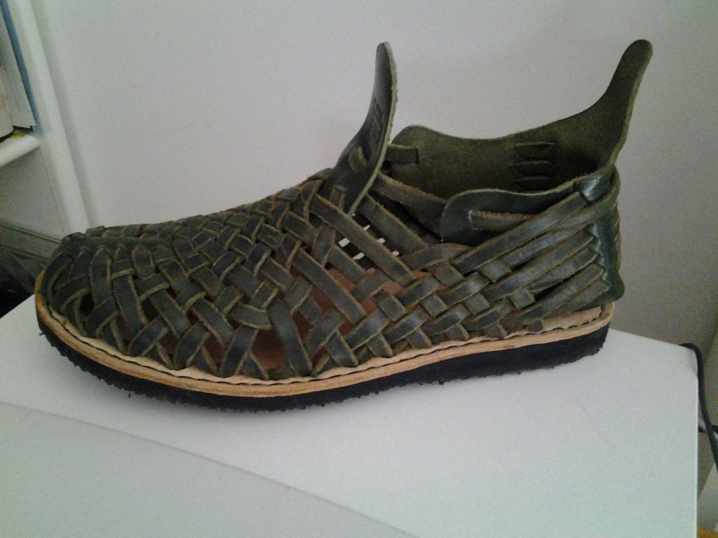 how to make homemade leather huarache shoes homesteading the homestead survival com crafts. Black Bedroom Furniture Sets. Home Design Ideas