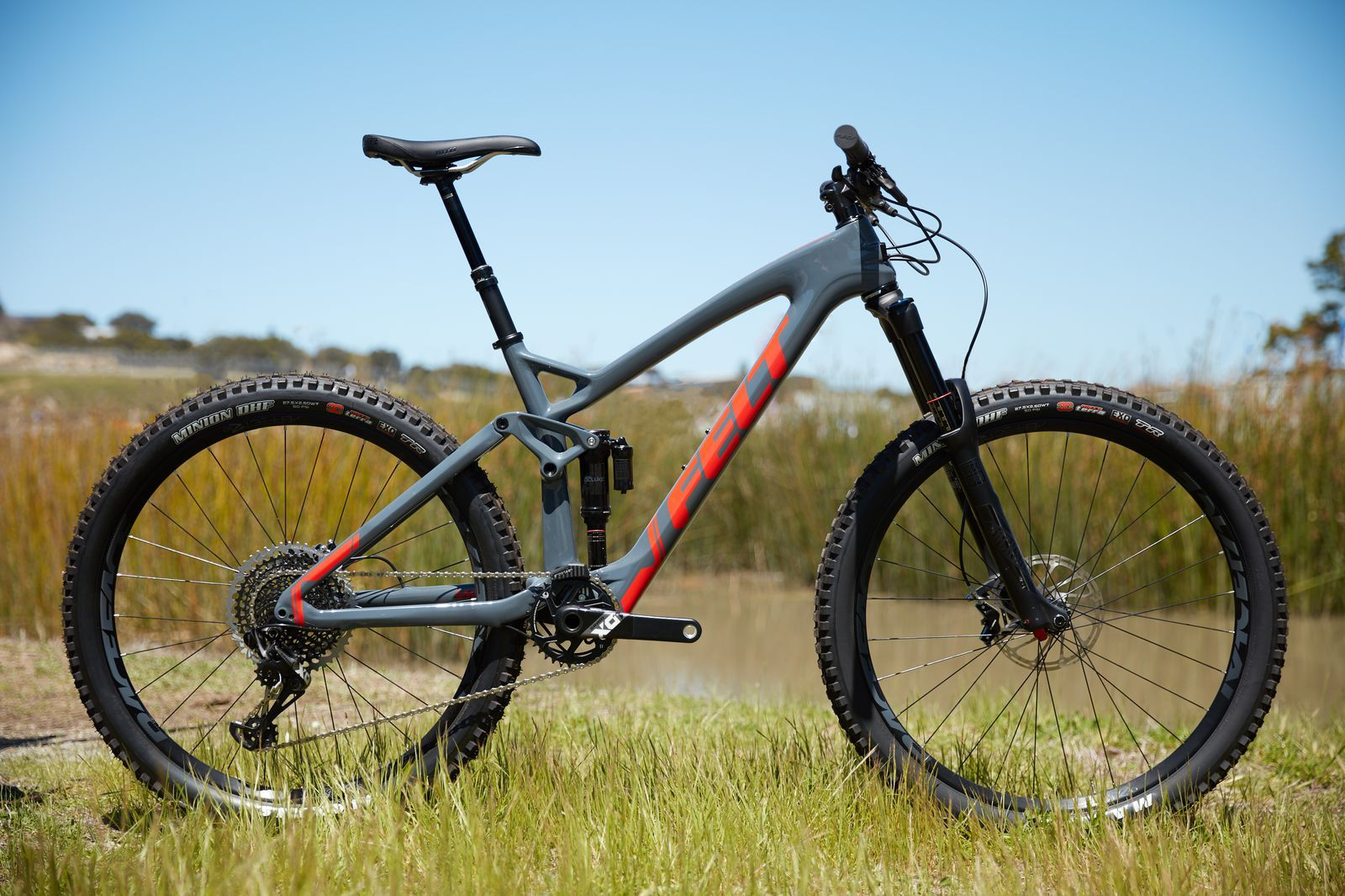 c28e083602e 2018 Felt F4X Rival 1 review | bikes | Trek mountain bike, Felt bikes,  Cycling wear