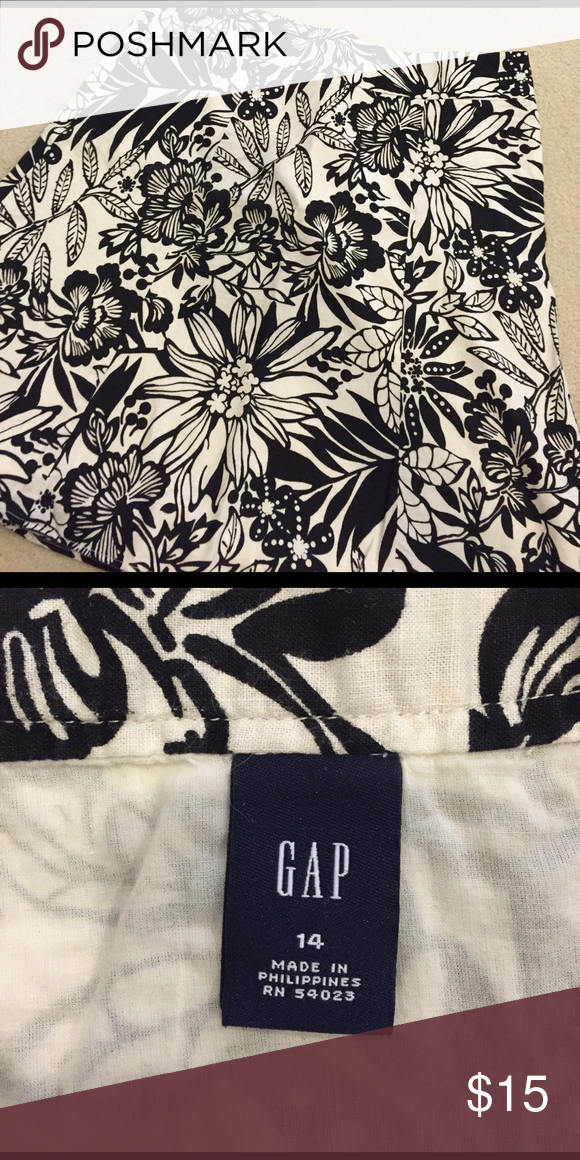 Gap Skirt Gap Skirt. Black and Cream. Size 14. Wore once. GAP Skirts A-Line or Full