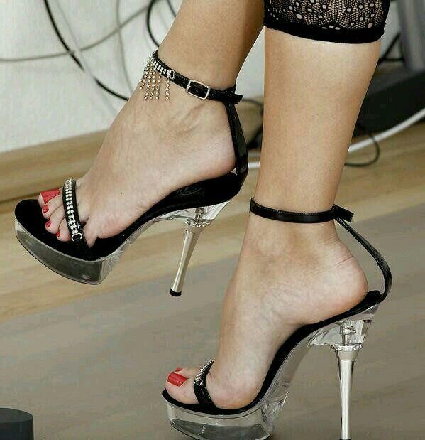 セクシーな足と靴