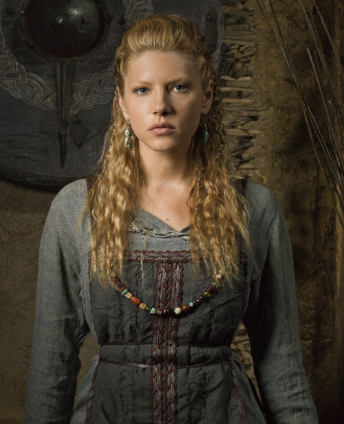 http://img2.wikia.nocookie.net/__cb20130320142930/vikingstv/images/0/0d/Lagertha_c1.png