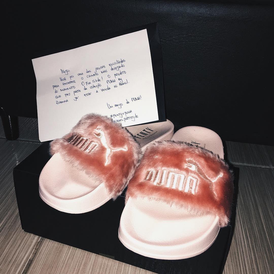 EITA QUE EU TO ENJOADA  Ontem recebi em casa o  #FURSLIDE  FENTY X PUMA coleção by Rihanna com direito a cartinha   Muito obrigada @PumaSportStyle em especial parceiro @rafamericorafa
