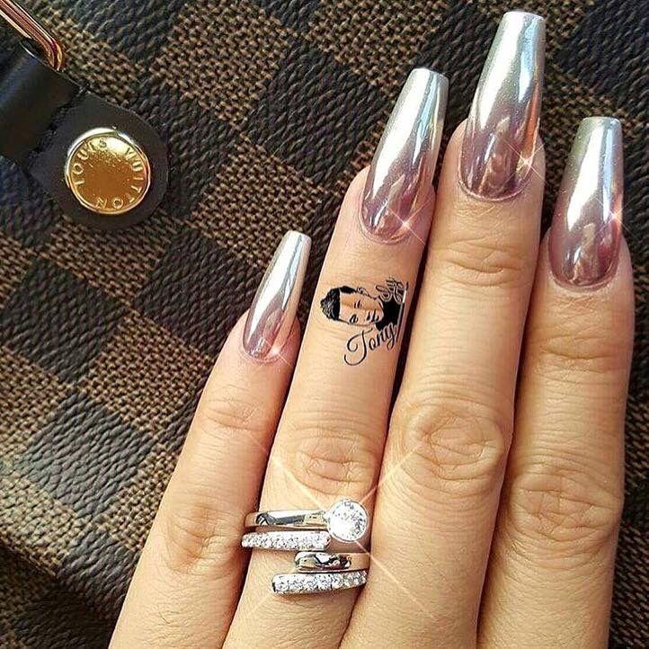 Coffin Shaped Chrome Nails Chrome Nails Designs Metallic Nails Design Ombre Chrome Nails