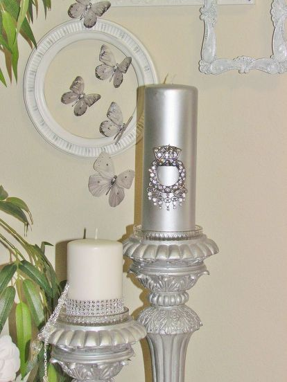 5 Of White And Silver Décor Accent