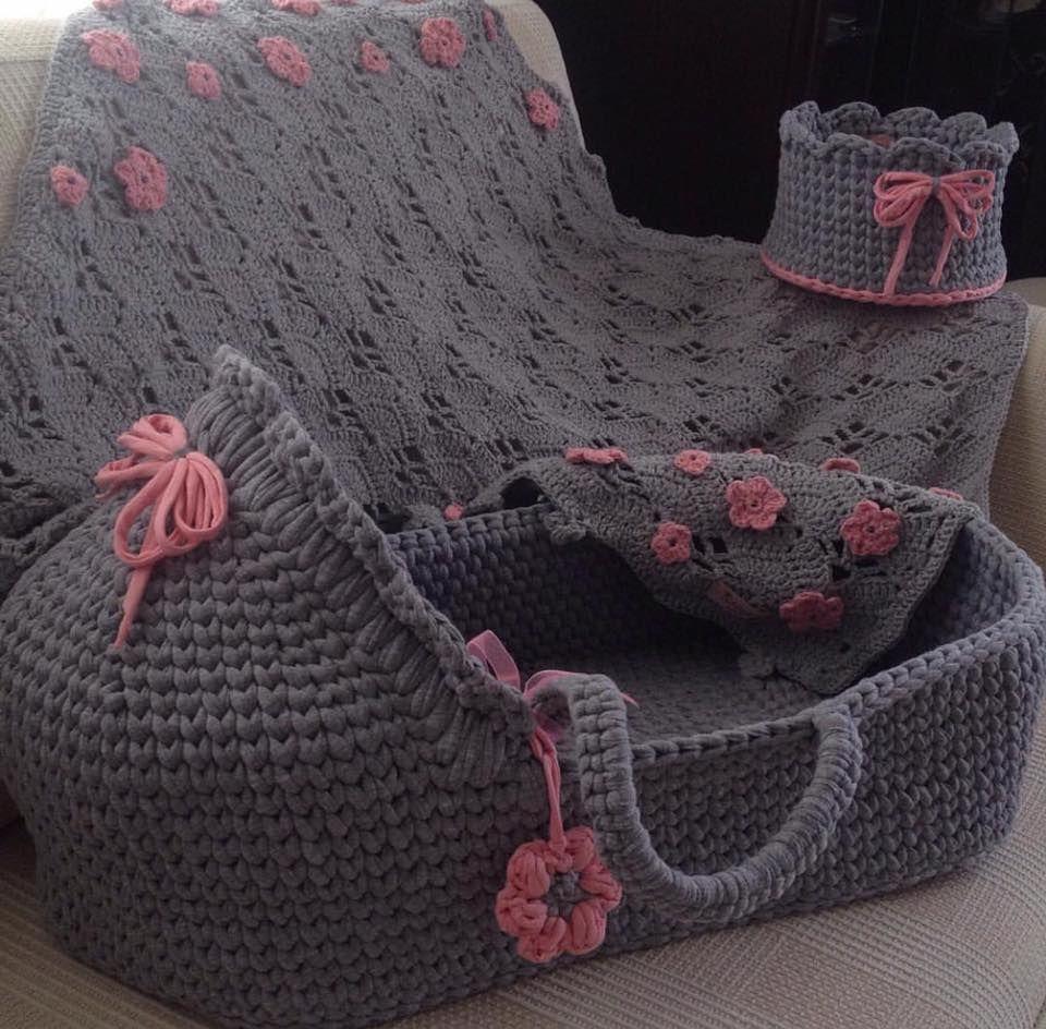 Pin von Amy Bassal auf Baby crochet basket | Pinterest | Babysachen ...