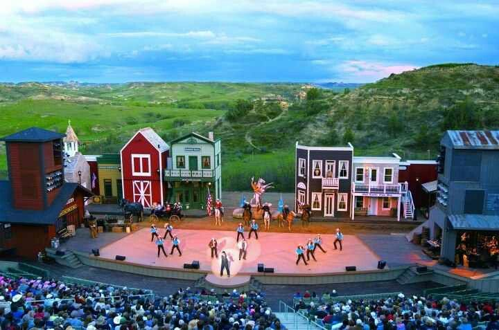 Magical Medora Christmas tour to stop at Belle Mehus ...