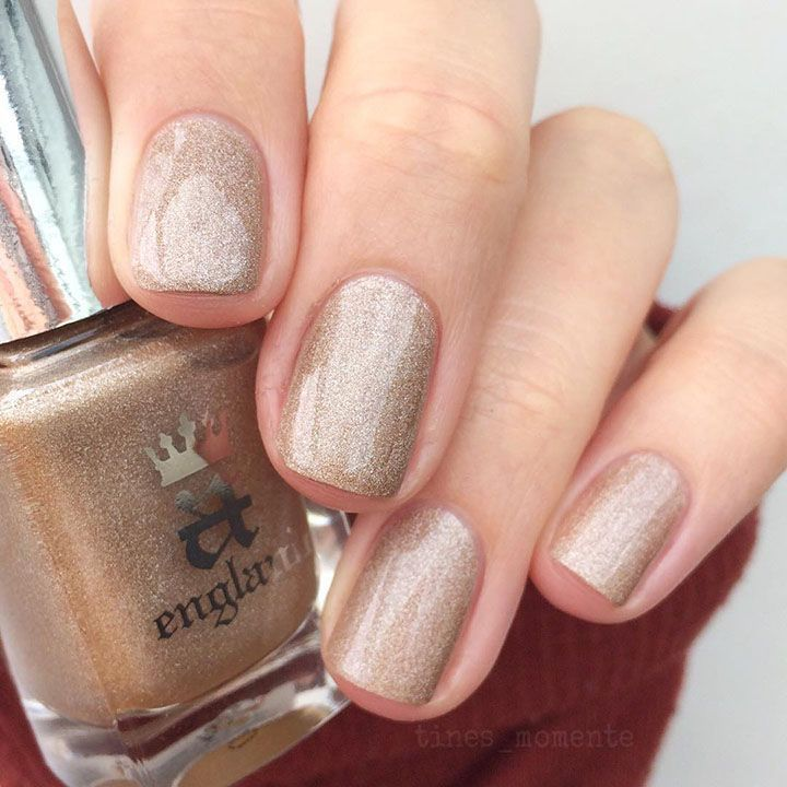 light gold glitter nails | Wedding Makeup | Pinterest | Gold glitter ...