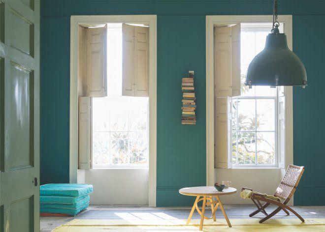 Peindre du papier peint - Marie Claire Maison | Salon vert, Peinture salon, Peinture bleu