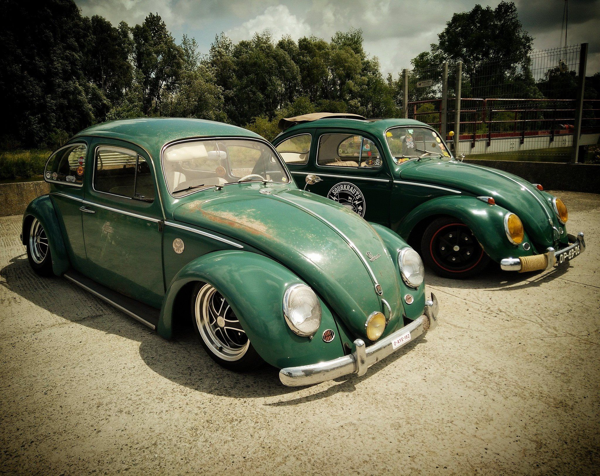 VW Bug on Air Suspension with DSR Style Wheels by Raw