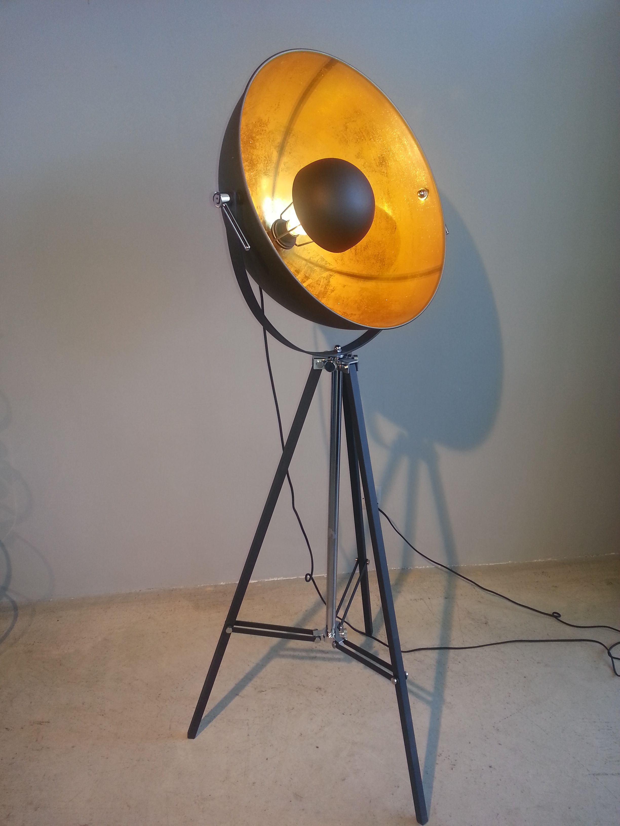 7956186a673414aa9b823de6998eb1c6 Faszinierend Stehlampe Studio Schwarz Gold Dekorationen