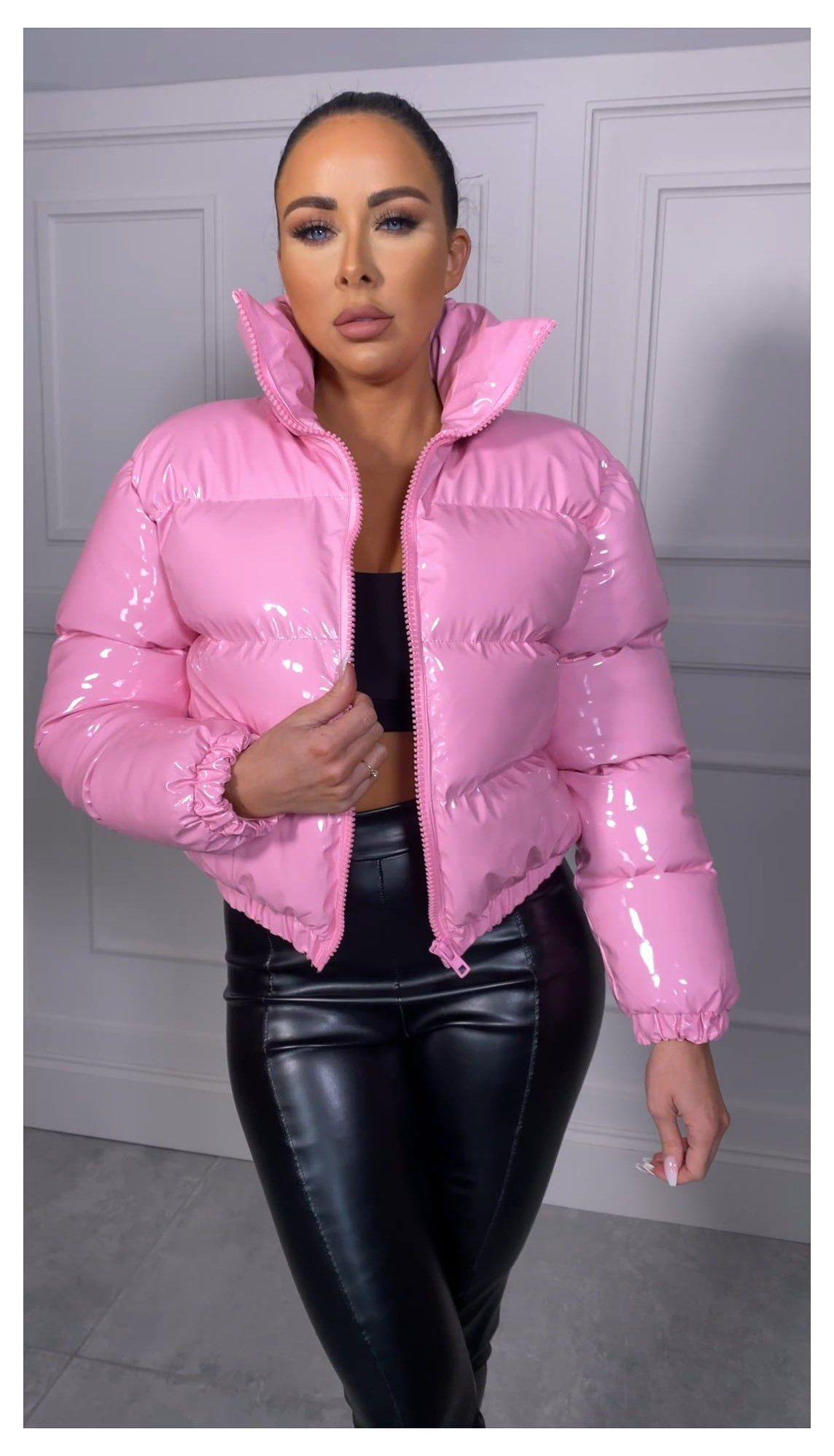 Pink Puffer Jacket Pink Puffer Jacket Pinkpufferjacket In 2021 Pink Puffer Jacket Puffer Jacket Outfit Jacket Outfit Women [ 1996 x 1144 Pixel ]