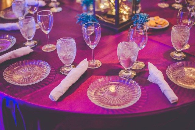 Be inspired by this peacock themed wedding at NOAH'S of Lincolnshire, Illinois! Photos captured by Karen Evans from By Kara Photo.