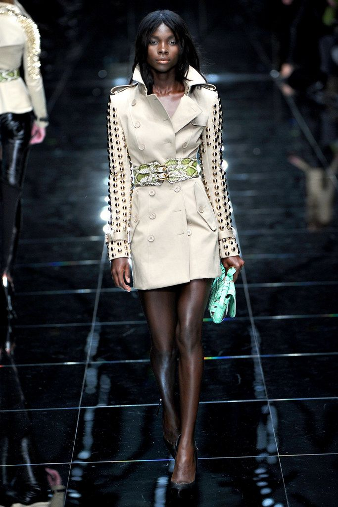 Burberry Spring 2011 Ready-to-Wear Collection Photos - Vogue