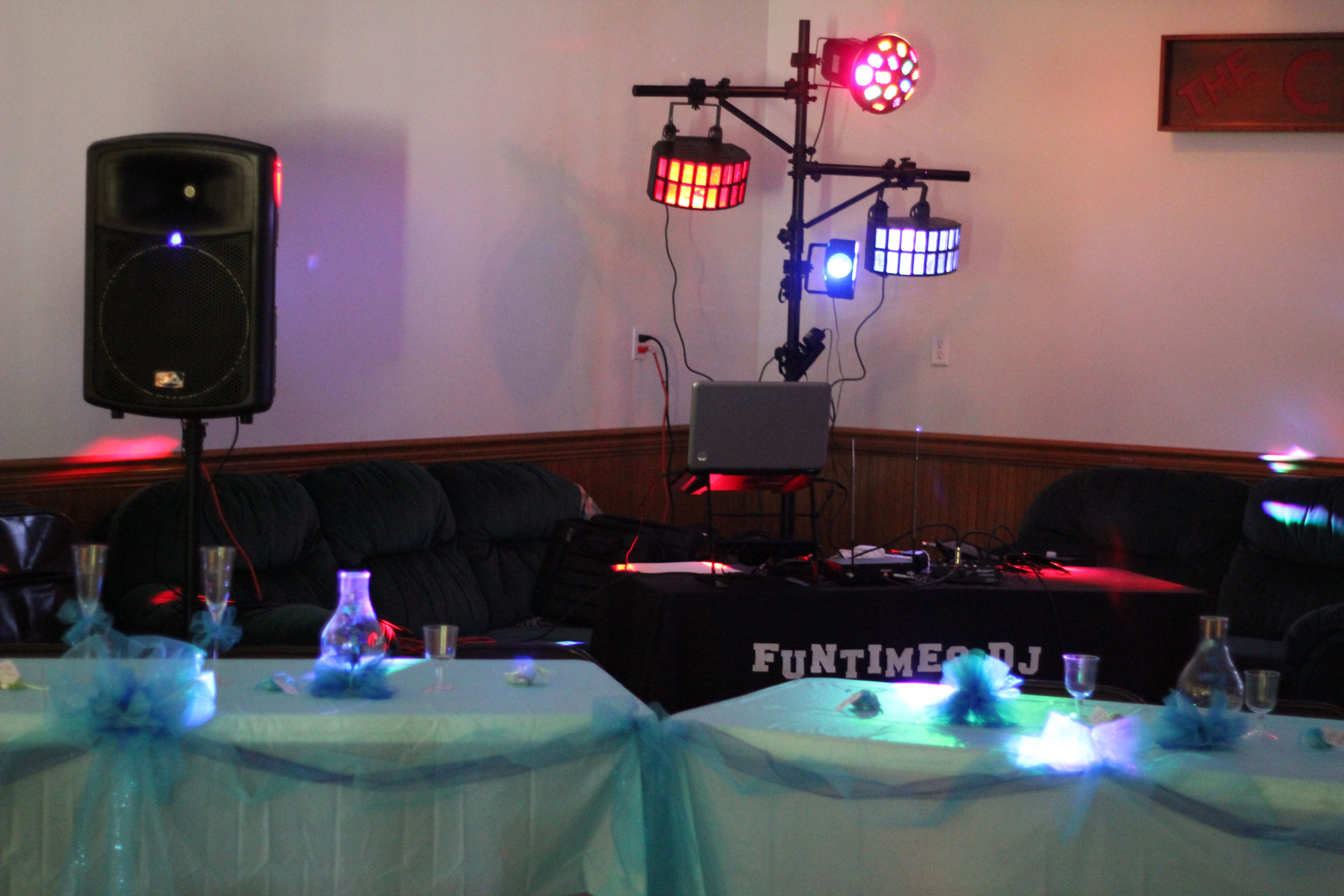 Small Wedding Setup 6 8 13 Wedding Dj Setup Dj Setup Wedding Set Up