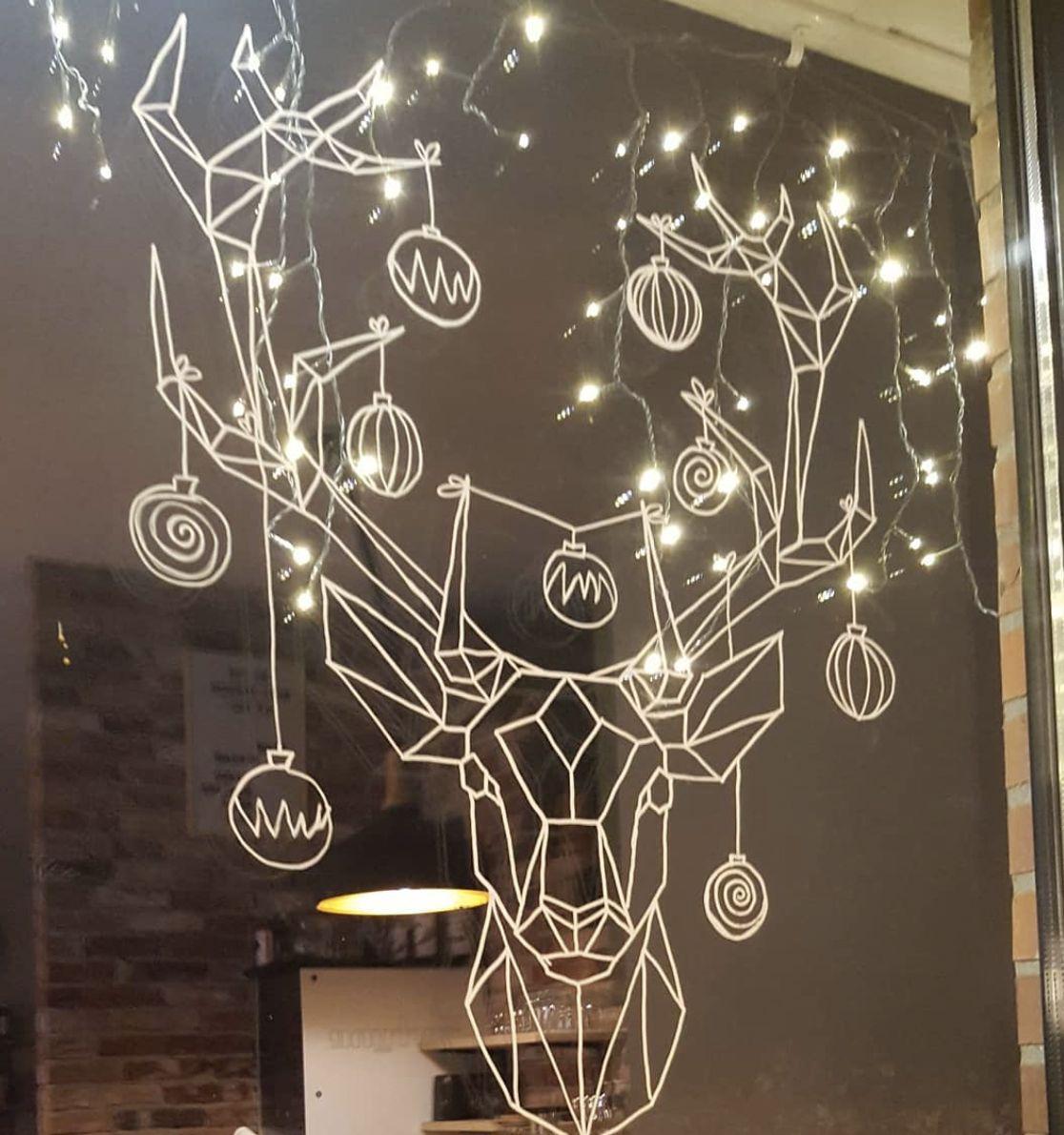 Origami kersthert #raamtekening, geïllustreerd door Origami Zoo, getekend door IN 2 HAIR #weihnachtlichefensterdeko