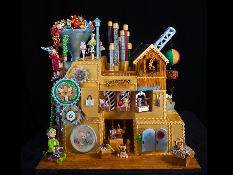 gingerbread-adult3b-2013.jpg 800×600 pixels