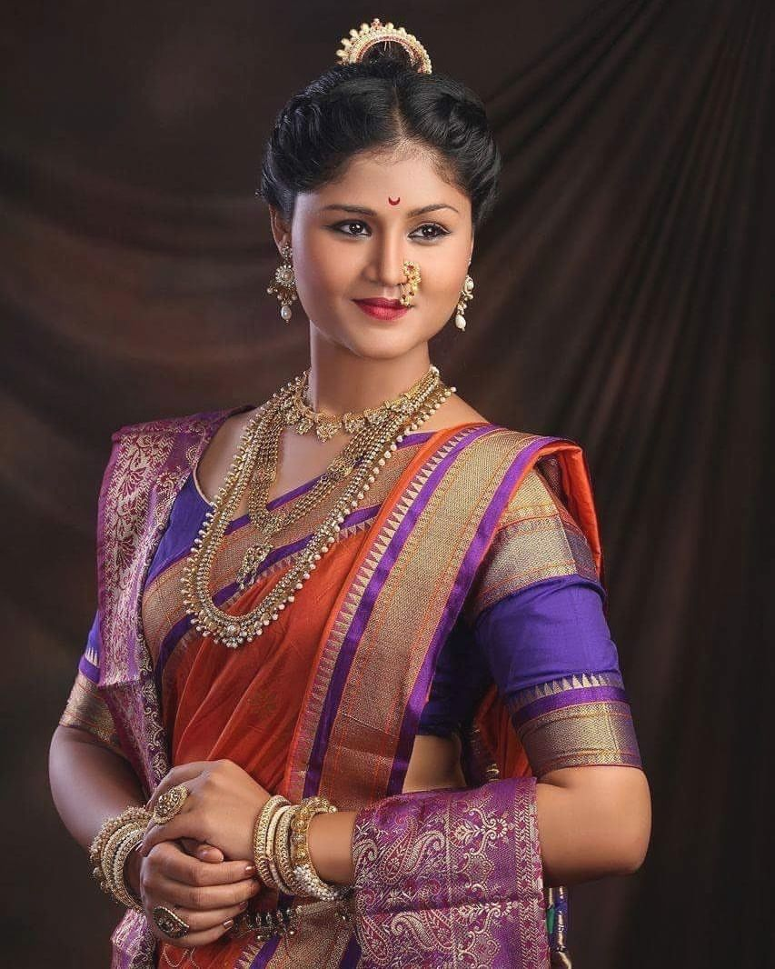 Maharashtrian peshwai wedding makeup and hairstyle pune mumbai