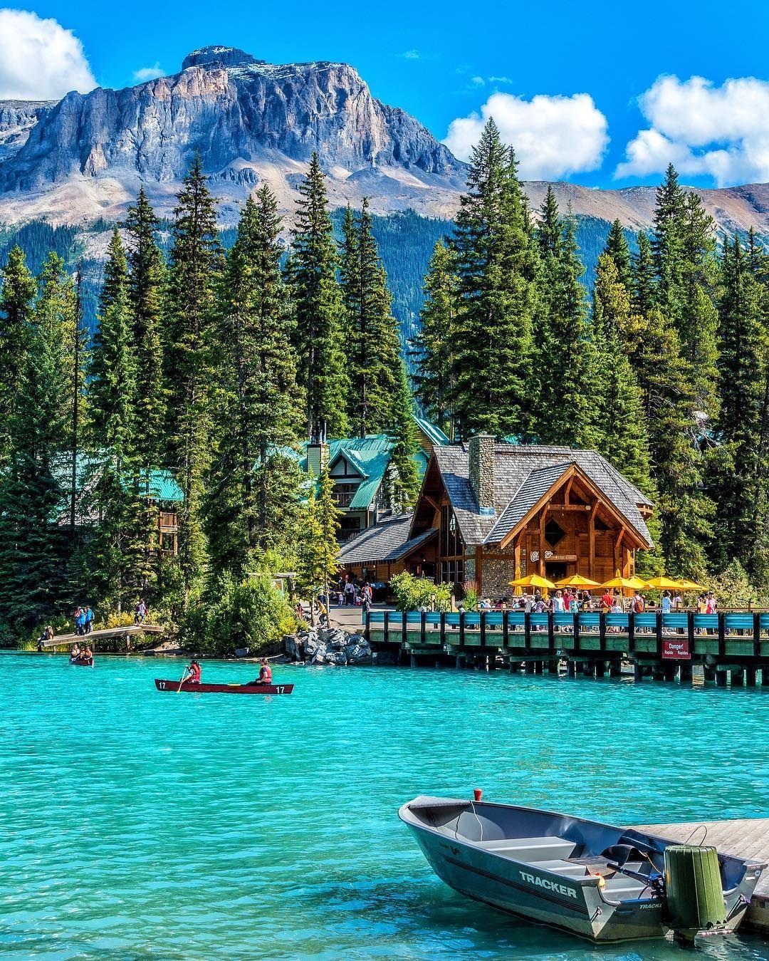 Lakes In Bc Canada: Emerald Lake -Yoho National Park