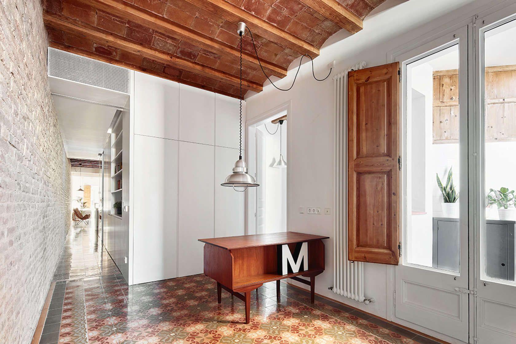 Karakteristieke Gewelfde Plafonds : The project consists in the refurbishment of an existing old flat