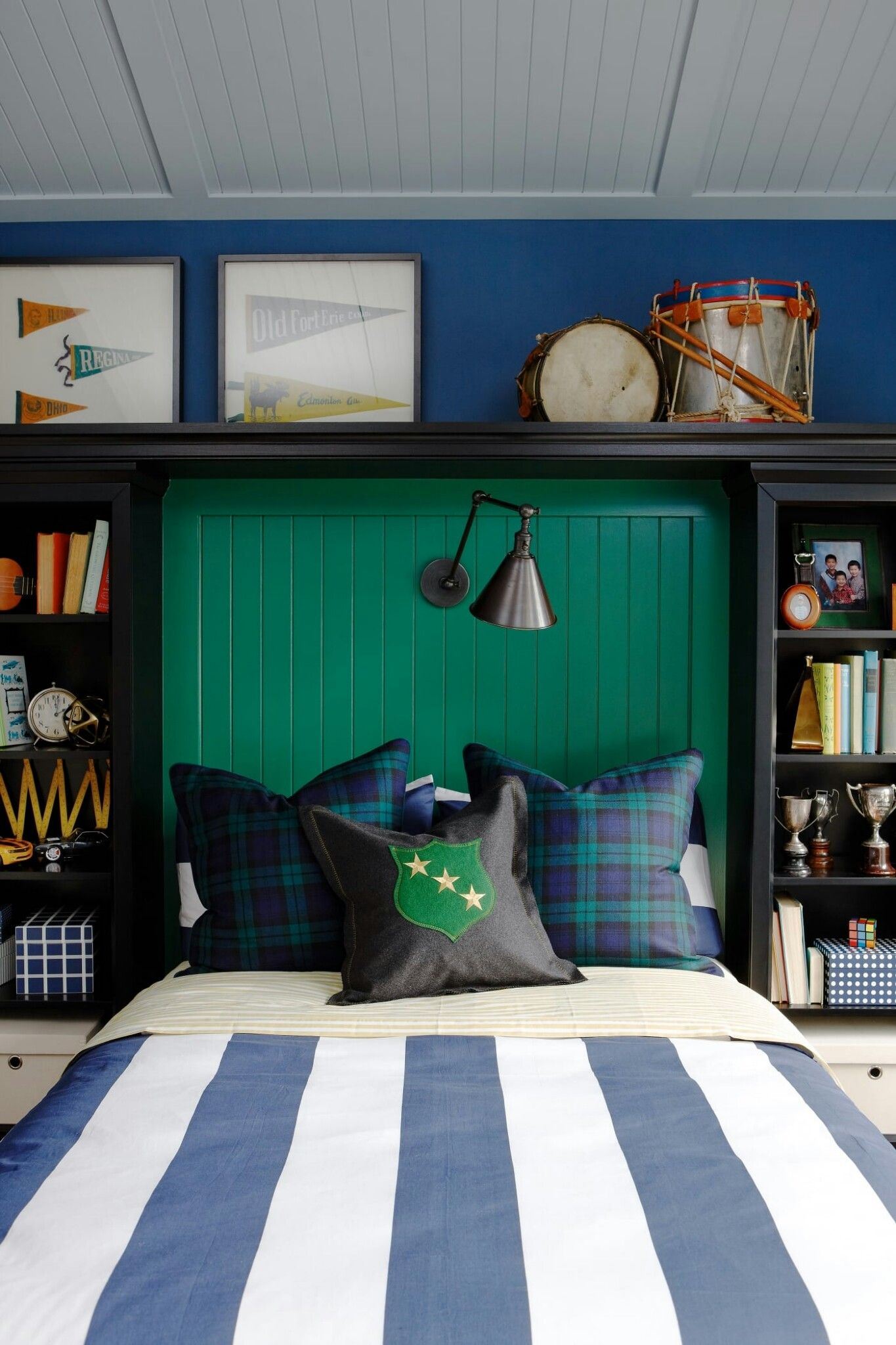 Pin By Debbie Jensen On Noah S Room Boys Bedroom Green Blue