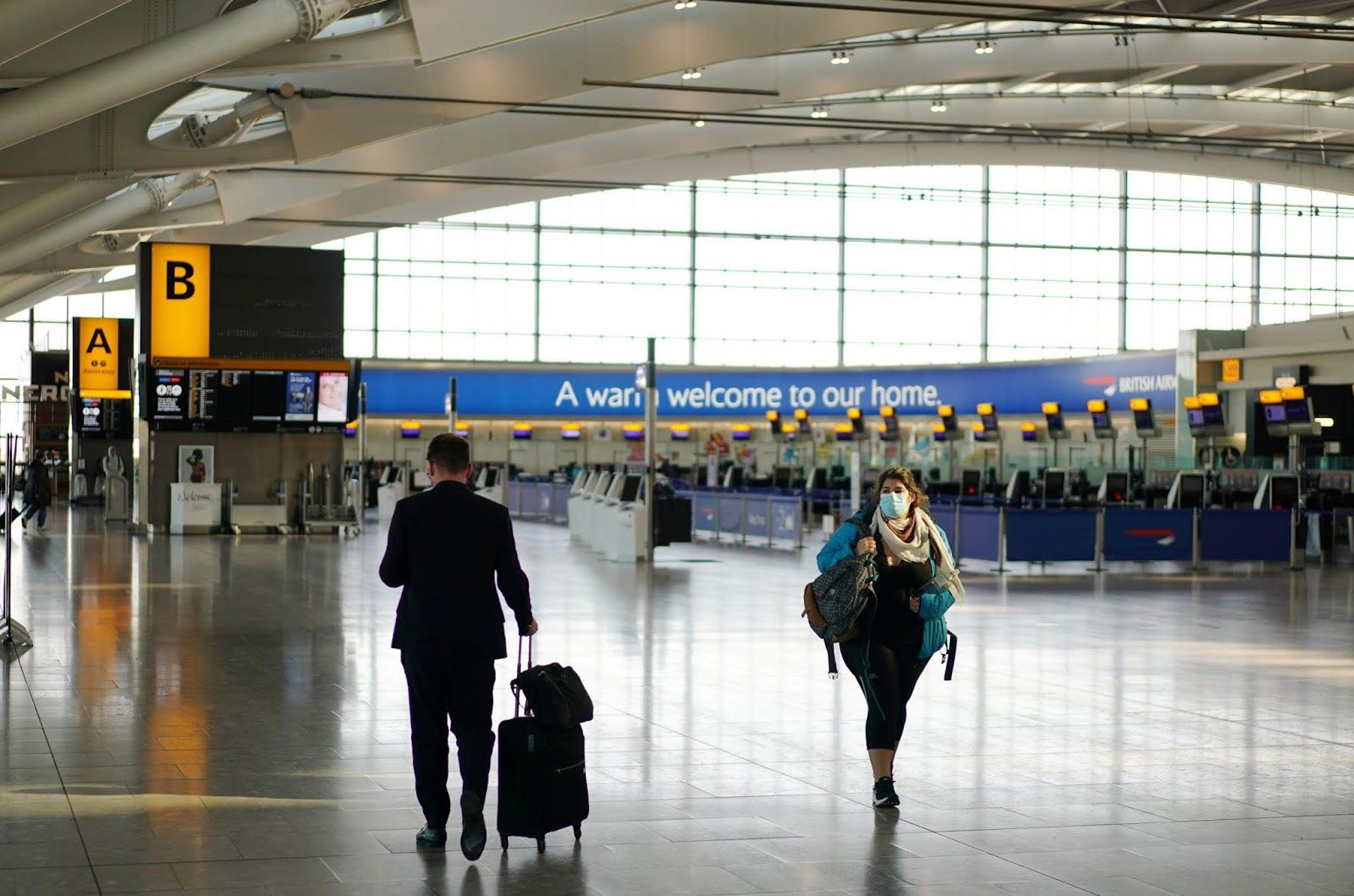 Heathrow Airport calls on the British government to open