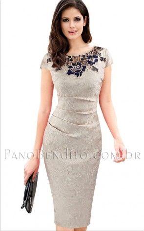 1ade41d7d Vestido Curto Casual Estampa de Rosas Rochelle