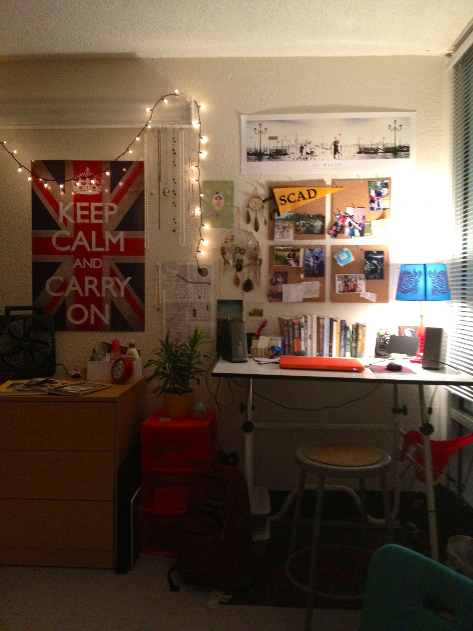 D life home interiors my desk and dresser in my dorm room the decorations make me feel